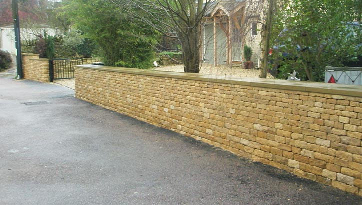 Quality Dry Stone Walling| Cladded freestanding wall