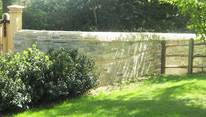 Dry Stone Walling in the Cotswolds | Traditional Curved wall